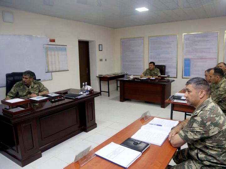 Министр обороны заслушал доклады по сложившейся на учениях обстановке - ВИДЕО - ФОТО