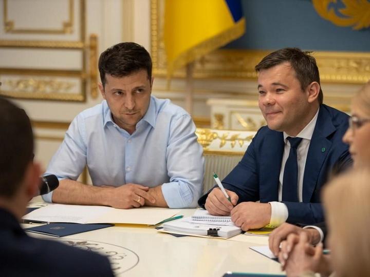 Зеленский может вынести на референдум вопрос о переговорах с Россией