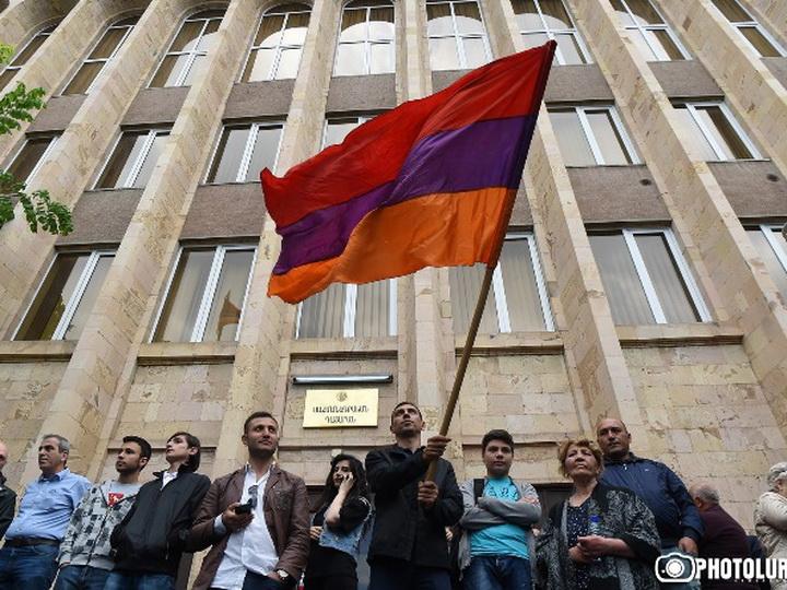 ЕНП призвала власти Армении гарантировать независимость судебной системы
