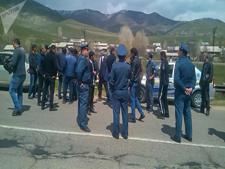 Ermənistanda taksi sürücüləri etiraz edir