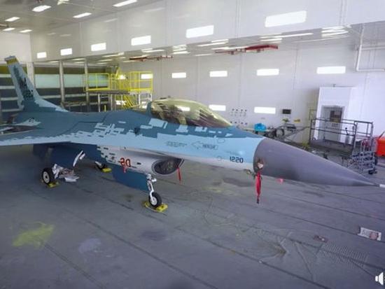В США готовятся к боям с российскими суперсовременными истребителями Су-57 - ВИДЕО