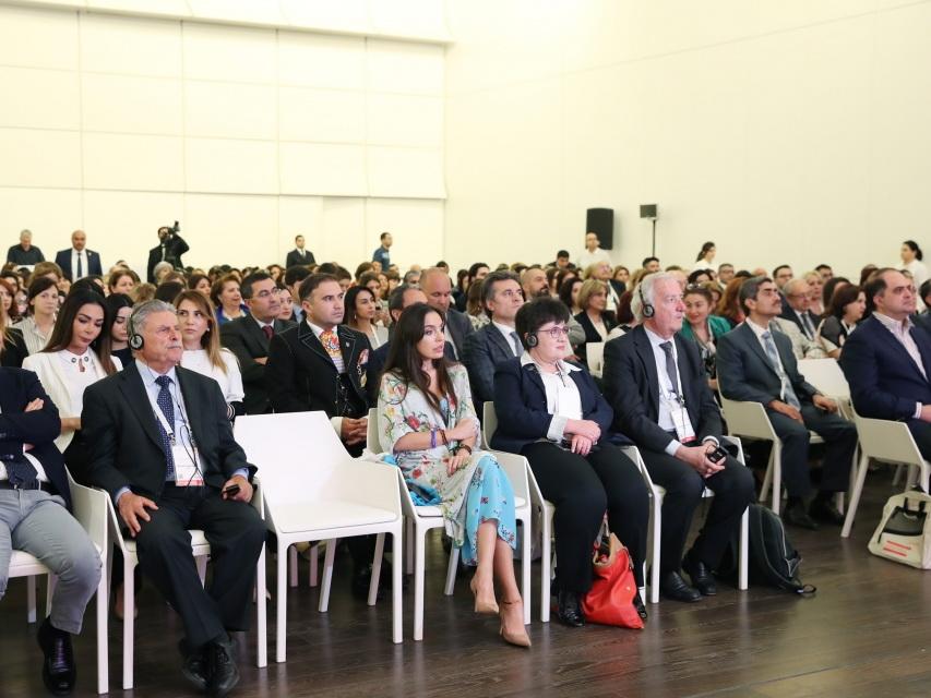 В Баку проходит I Азербайджанский международный конгресс специалистов по гематологии - ФОТО