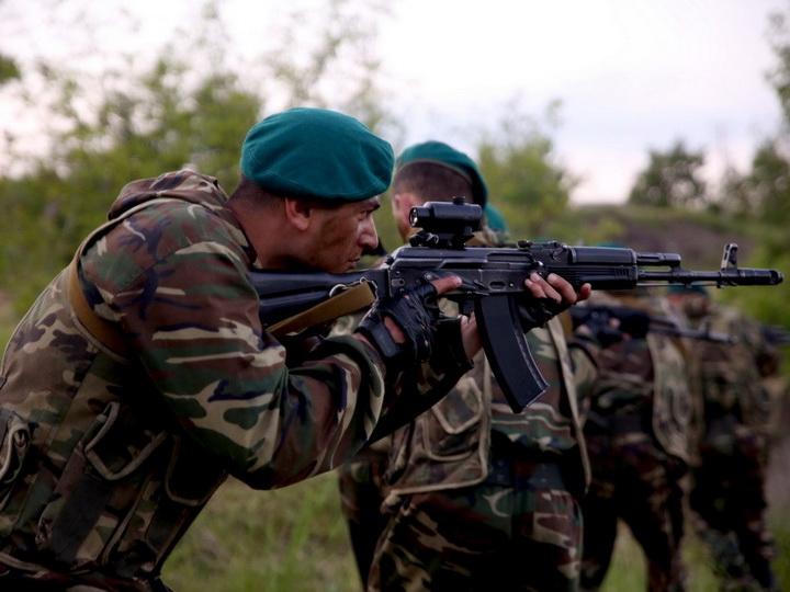 Министр обороны Азербайджана поручил войскам немедленно пресечь масштабные провокации противника - ФОТО