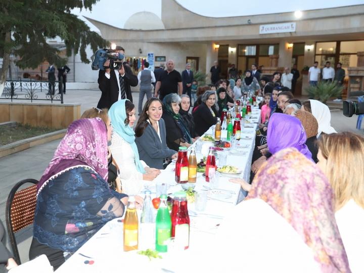 Первый вице-президент Мехрибан Алиева приняла участие в церемонии ифтара - ФОТО