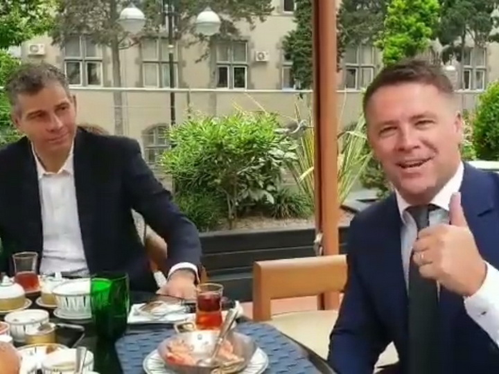 Франческо Тольдо и Майкл Оуэн приглашают фанатов на Приморский бульвар – ВИДЕО