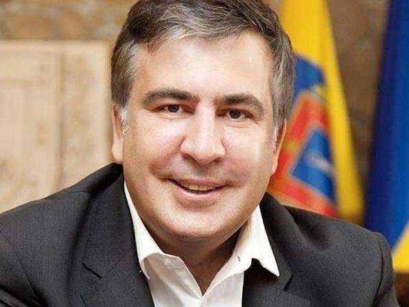 СМИ: Саакашвили подрался с оппонентами и сломал руку пенсионерке – ВИДЕО