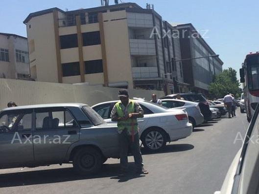 Ликвидирована незаконная парковка на дороге у сгоревшего торгового центра Diqlas – ФОТО - ВИДЕО – ОБНОВЛЕНО