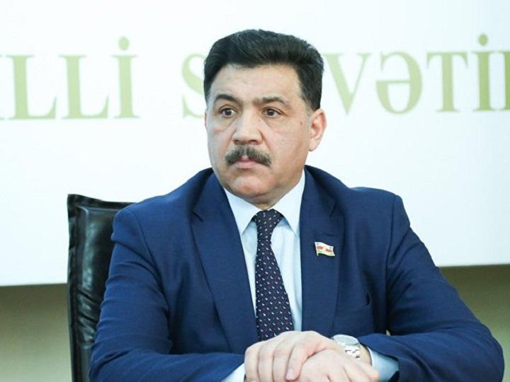 Aydın Hüseynov: Heydər Əliyevin fəaliyyətinin zirvəsi müstəqil Azərbaycan dövlətini qurmasıdır