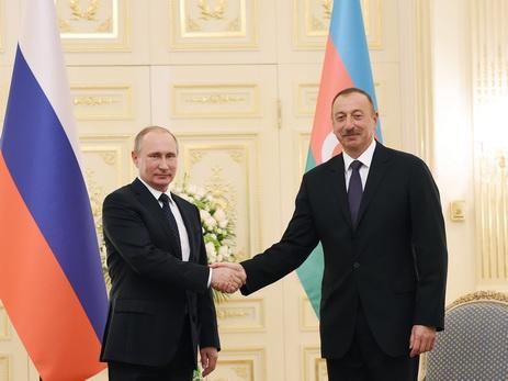 İlham Əliyev Vladimir Putini təbrik edib