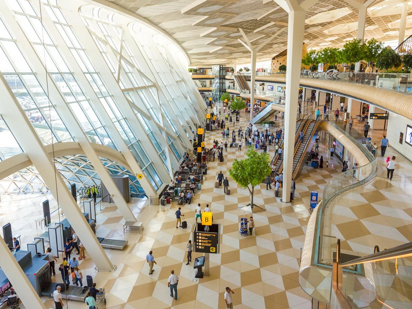 Пассажиропоток аэропортов Азербайджана за первые пять месяцев составил 1,85 млн. человек