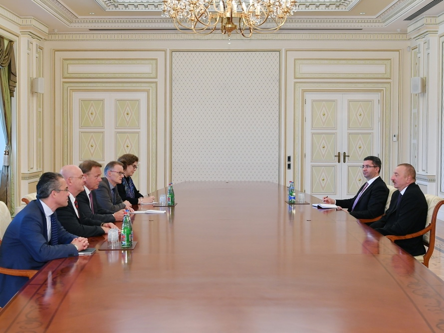 Президент Ильхам Алиев принял делегацию во главе с вице-президентом Бундестага