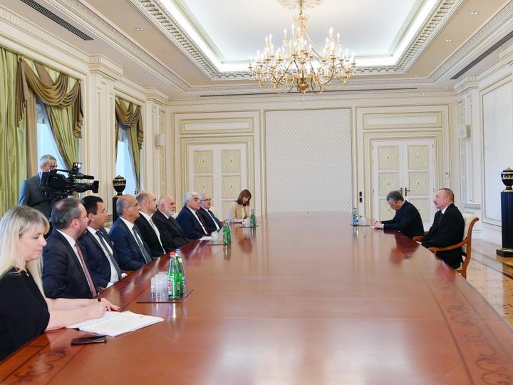 Президент Ильхам Алиев принял делегацию во главе с вице-спикером Великого национального собрания Турции