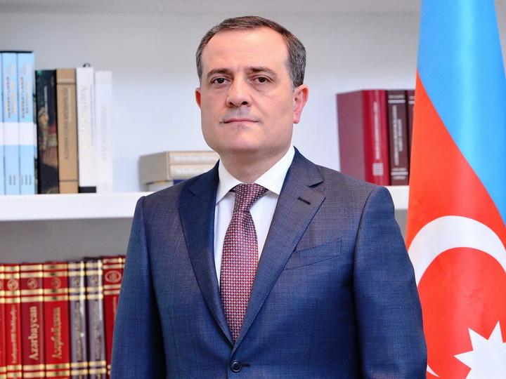 Министр образования Азербайджана обратился к выпускникам