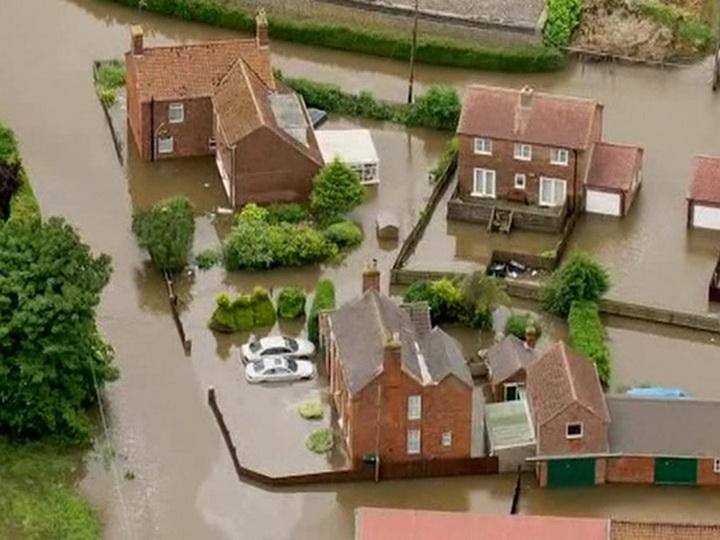 На Великобританию обрушились проливные дожди