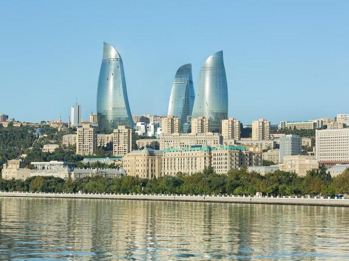 В понедельник в Азербайджане до + 38 градусов