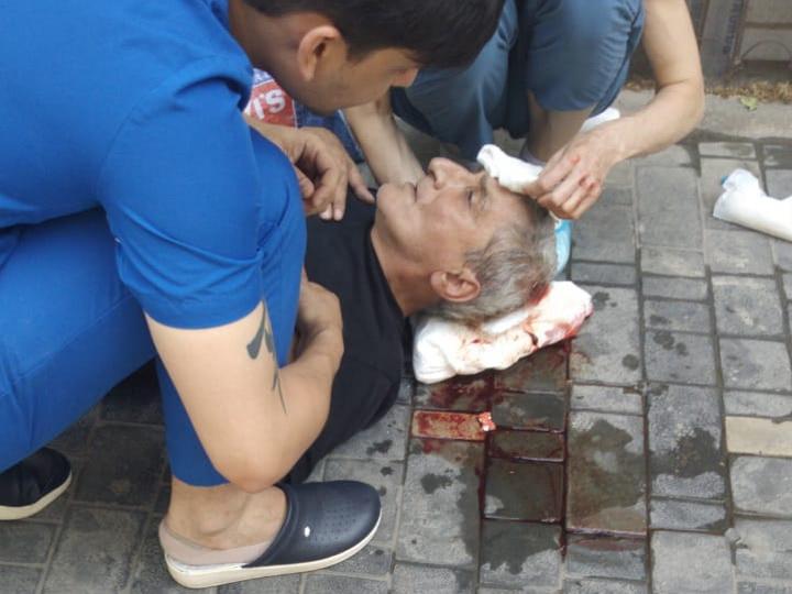 В Баку ветеринары cпасли жизнь человека- ФОТО