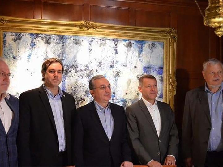 В Вашингтоне проходит встреча главы МИД Армении с посредниками по Карабаху