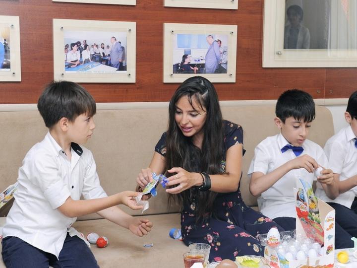 Вице-президент Фонда Гейдара Алиева Лейла Алиева посетила столичные школы-интернаты номер 4 и 3 - ФОТО