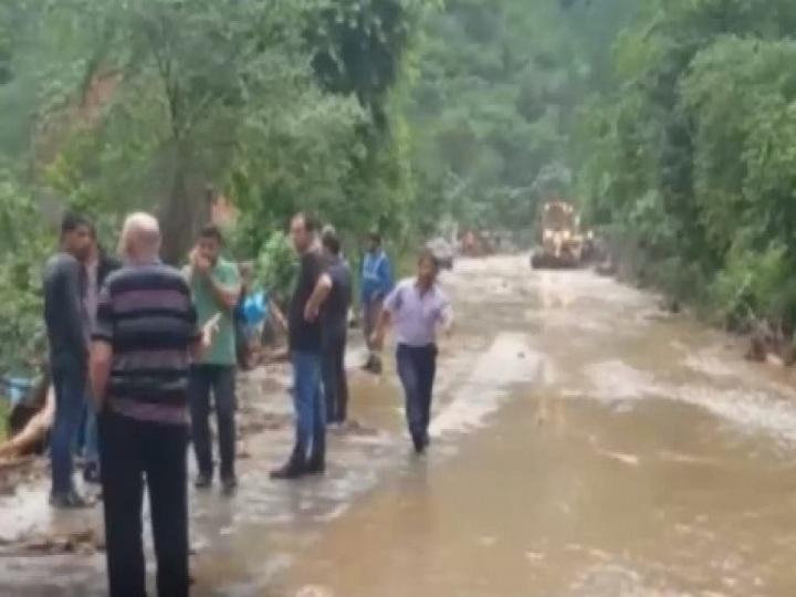 Türkiyədə on nəfəri sel aparıb