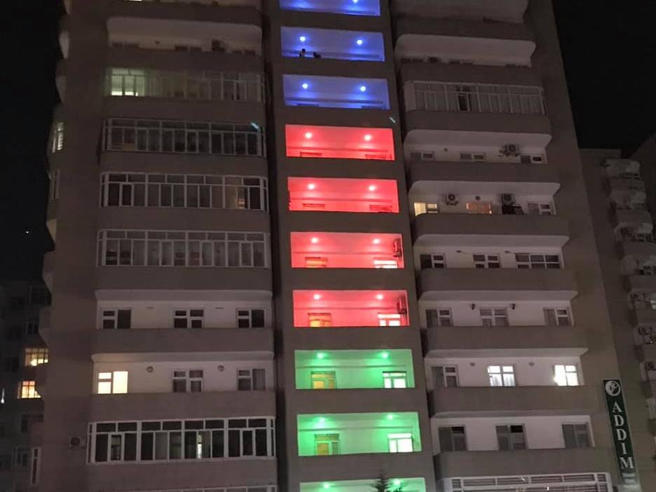 Самый патриотичный дом в Баку - ФОТОФАКТ