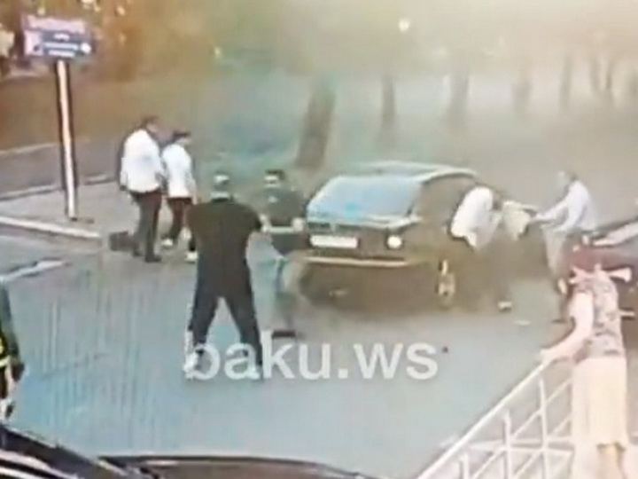 «Конфликт на дороге»: В центре Баку братья из Масаллы избили водителя