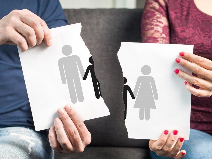 В Азербайджане на три брака приходится почти один развод