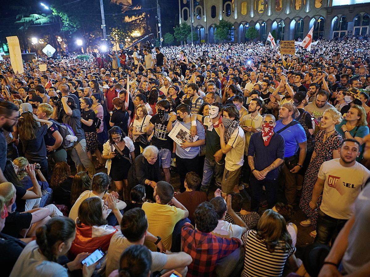 В Тбилиси более 120 человек приговорили к административному аресту