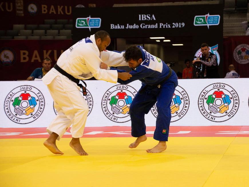 Азербайджанский дзюдоист победил армянина и вышел в полуфинал Евроигр