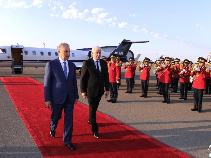 Премьер-министр Монтенегро прибыл в Азербайджан с официальным визитом - ФОТО