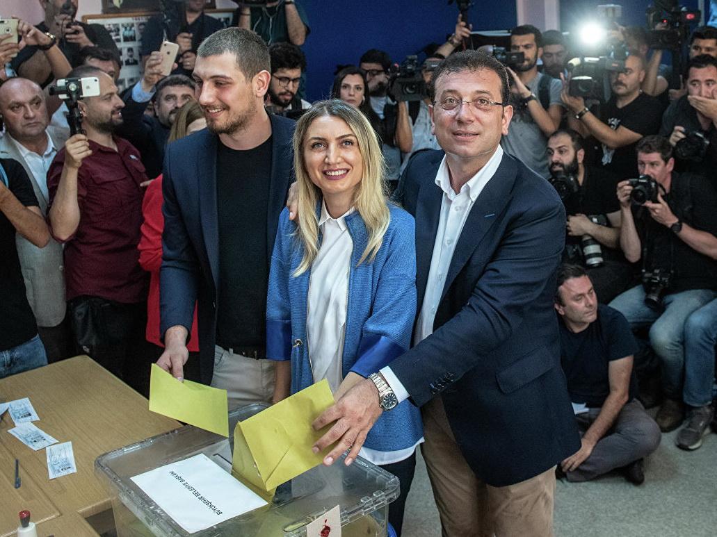 Побеждающий на выборах мэра Стамбула Имамоглу готов работать с Эрдоганом