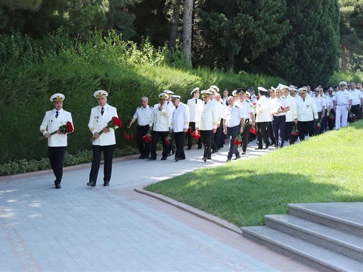 Азербайджанские моряки почтили память Общенационального лидера Гейдара Алиева – ФОТО