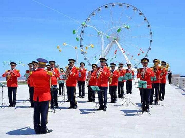 По случаю Дня Вооруженных сил будут организованы показательные выступления военных оркестров