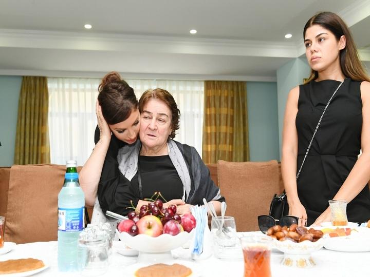Mehriban Əliyeva görkəmli alim Şirməmməd Hüseynovun hüzr mərasimində iştirak edib – FOTO