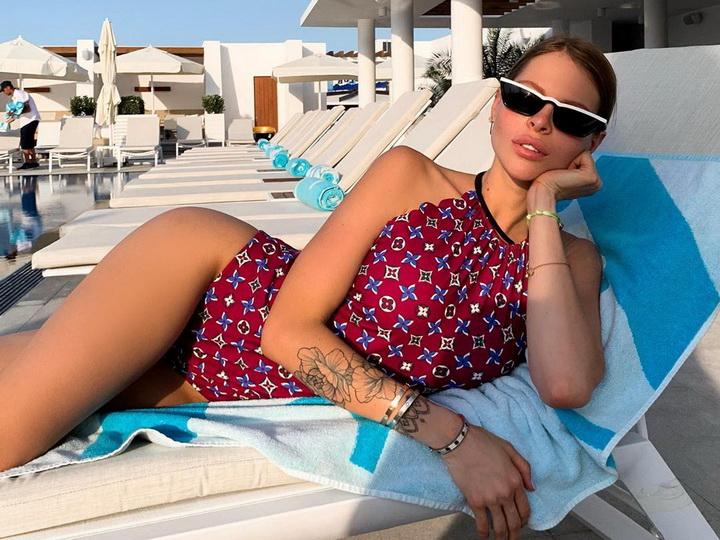 Российская Instagram-звезда проводит лето в Баку – ФОТО