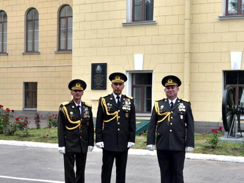 Азербайджанские офицеры окончили Военную академию в России с золотой медалью и красным дипломом - ФОТО