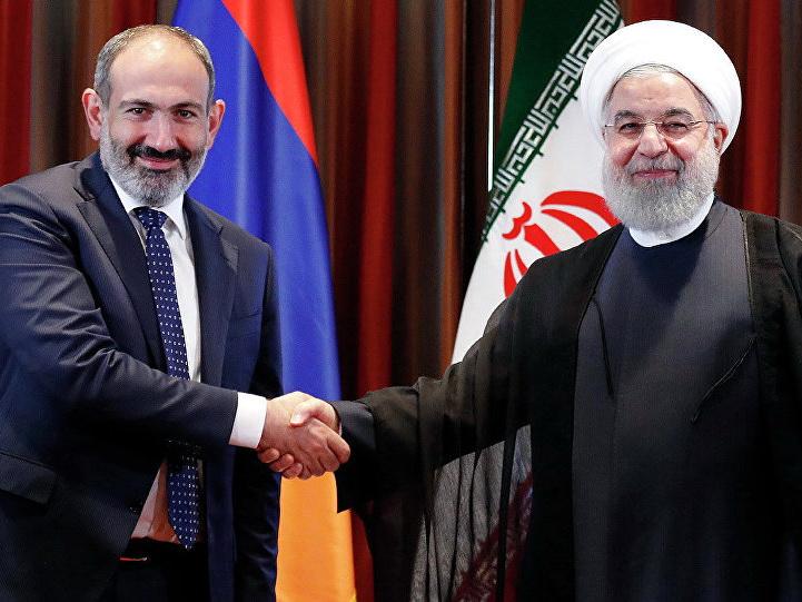 """İran-Ermənistan: """"Kağız üzərində"""" əməkdaşlıq"""