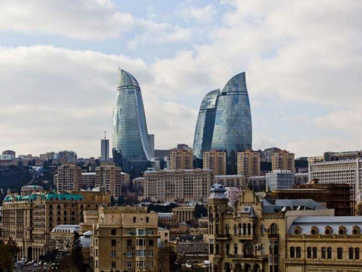 В первый день весны в Баку облачно