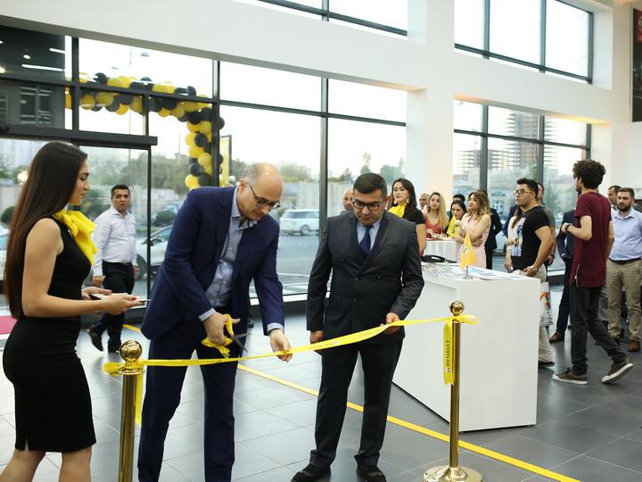 В Баку открылся новый автосалон Renault Azərbaycan и презентован купе-кроссовер Renault Arkana - ФОТО