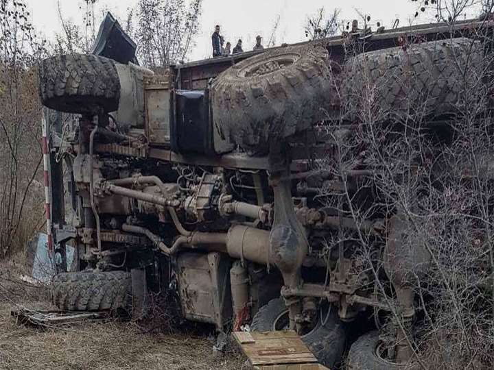Ermənistanda hərbi maşın qəzaya uğrayıb