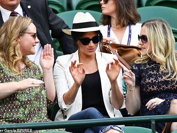 Меган Маркл вновь нарушила королевский дресс-код и оскандалилась на Уимблдоне – ФОТО