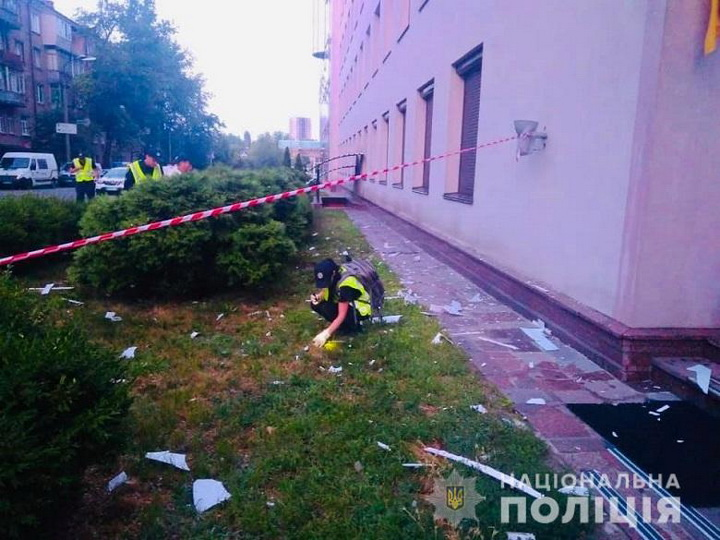 Здание телеканала «112 Украина» в Киеве обстреляли из гранатомета – ФОТО – ВИДЕО