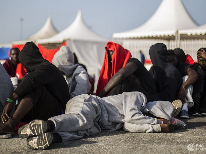 Марокканские моряки спасли 161 нелегального мигранта в Средиземном море