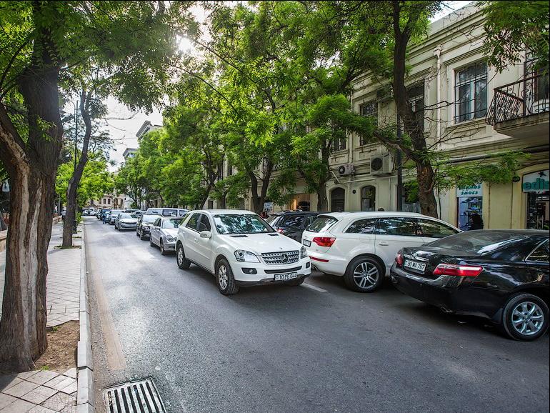 БТА: Тарифы на парковку в Баку будут пересмотрены