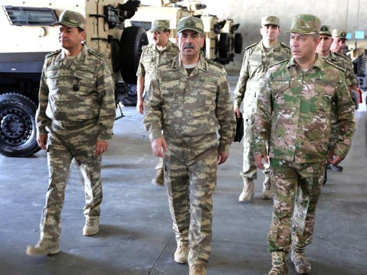 Министр обороны Азербайджана проверяет воинские части - ФОТО