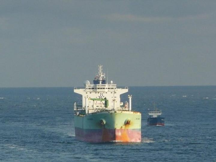 Иран подозревают в захвате нефтяного танкера из ОАЭ