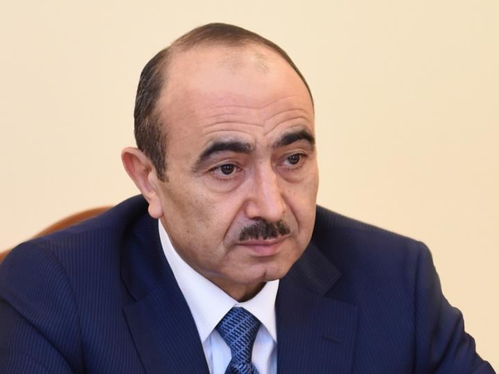 Али Гасанов: Как могут быть ответственны за народ и государство «лидеры», не умеющие управлять пикетом максимум в 50 человек?