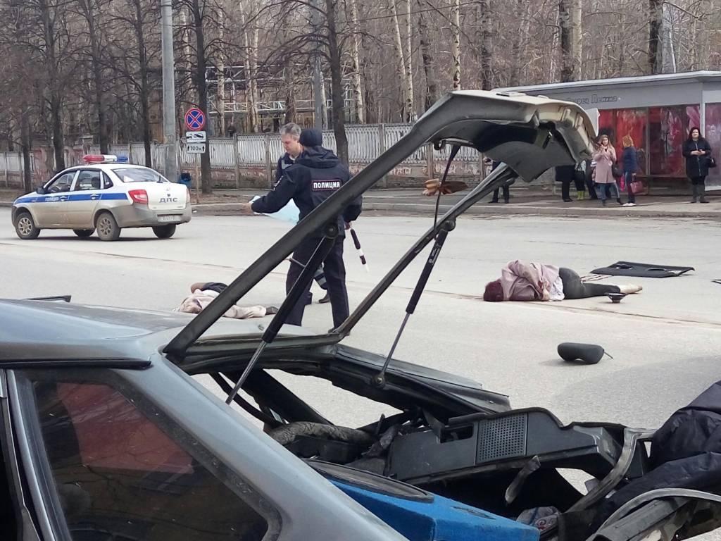 Deputatın oğlu saatda 200 km sürətlə qəzaya düşdü, ər-arvadı öldürdü