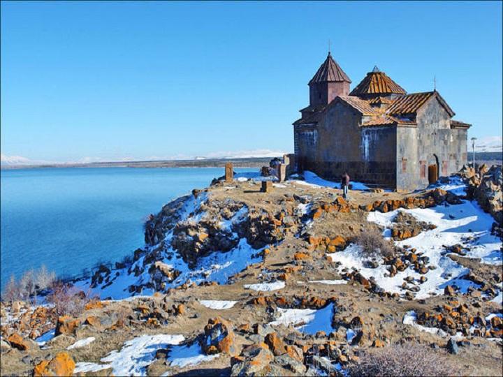 Ermənistan hakimiyyəti Sevan gölü problemindən istifadə edərək xaricdən pul almaq istəyir