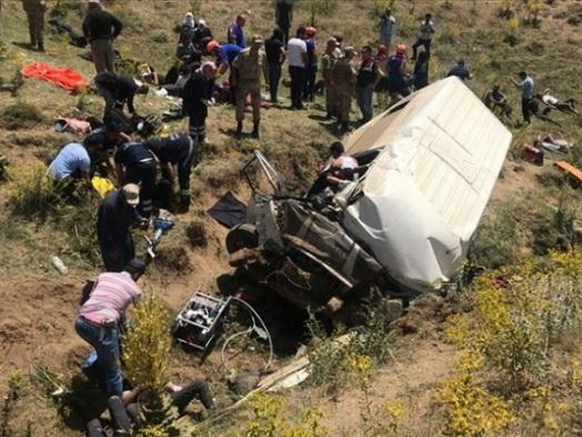Страшная авария в Турции: 15 погибших, 27 раненых – ФОТО - ВИДЕО