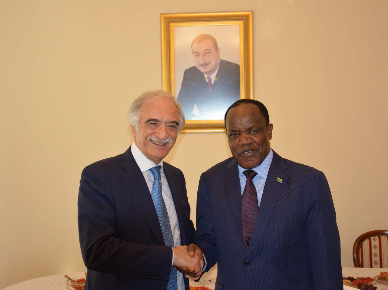 Полад Бюльбюльоглу встретился с послом Танзании в РФ - ФОТО